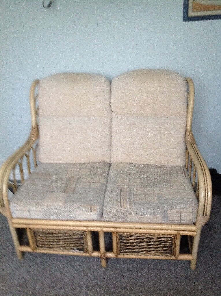 Setee, two seater suitable for conservatory. Recently recovered seats. Excellent condition.