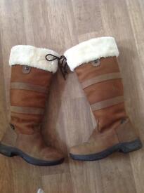 Dublin Eskimo river boots size 8