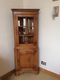 Traditional Oak Corner Cupboard