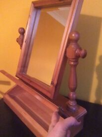 Mirror wooden dressing table unit with compartment