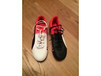Puma Evospeed great looking football boots size 6. Worn once