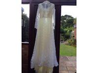 Original 1970's 'Ellis' wedding dress size 10