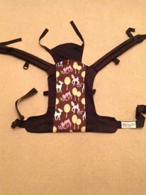 Rose and Rebellion Oh Dear baby carrier