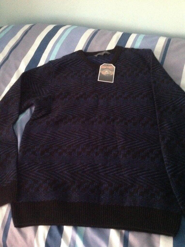 Men's jumper size medium with tag