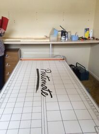 Pastemate wallpapering table