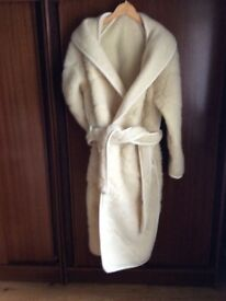 Luxury women's Woolmark dressing gown by LOVEL-size Medium- as new. Less than half price.