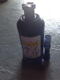 2 X 15 ton bottle jacks.......
