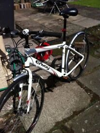 Gents 18 Speed Apollo Envoy Hybrid Bicycle