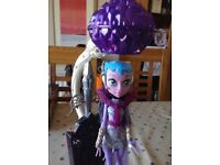Monster High Floatation Station with Astranova Doll