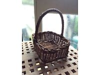 Wicker basket with handle 30 x 24cm