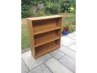 Wooden book case with 3 shelves used but good condition