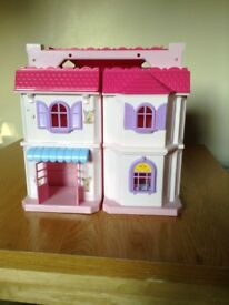 Doll's house excellent condition