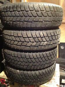 4 pneus d'hiver à clous 196/65 r15 king star w411.   180$