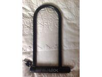 Heavy duty bicycle U-shaped lock