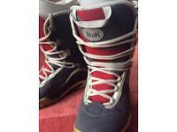 Snowboard boots size eu40 uk 7.5 (fit uk 6)