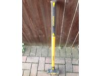 Roughneck Sledge Hammer 8lb/3.6kg with Fibreglass Handle