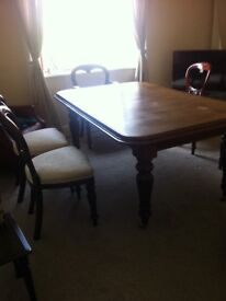 Large Mahogany Dining Table 5'6; by 3'7; Extends to 7'4 With 6 Chairs