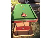 Approx 4ft 6in X 2ft 6in Snooker/pool table.