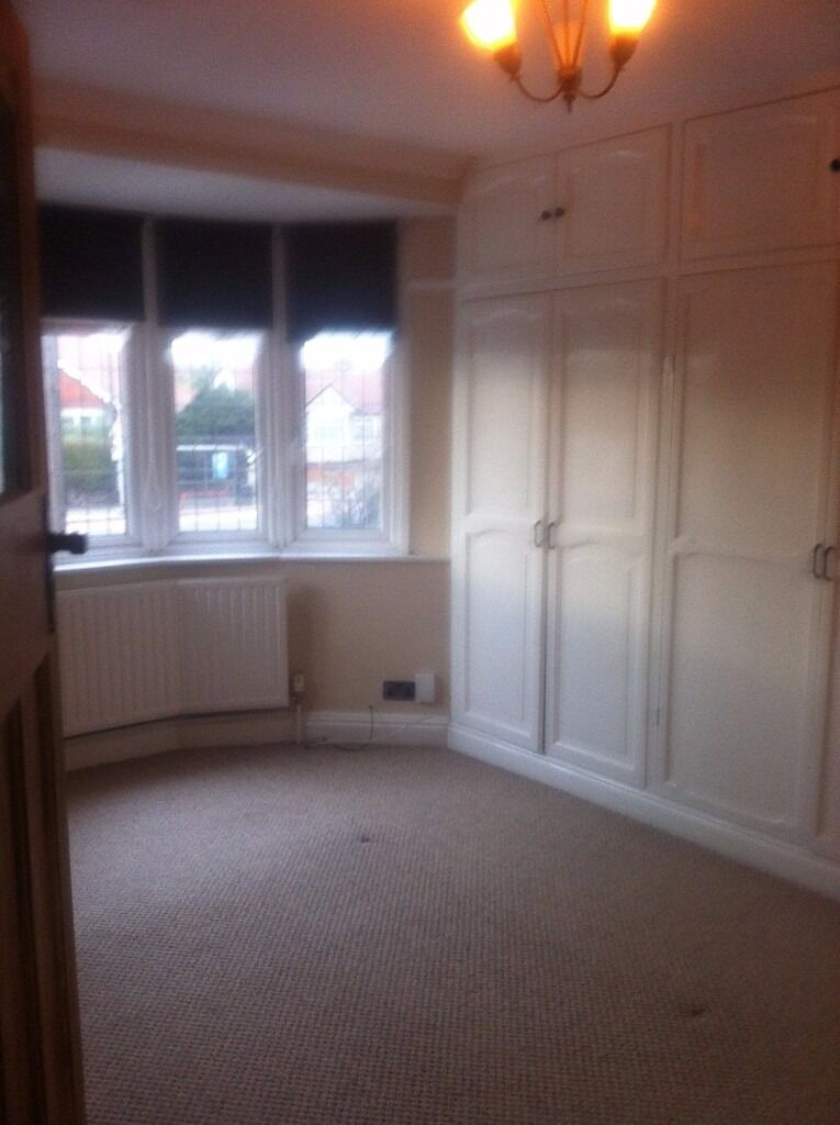 A VERY NICE 1 BED GROUND FLOOR FLAT