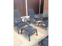 WANTED : Looking TO BUY an Outsunny 5 piece patio set or just the chairs