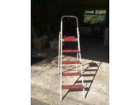 Metal step ladders