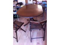 Foldable dinning Table with foldable chairs in very good condition all for £40