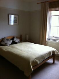 Large sunny single room to let at the seven dials Brighton