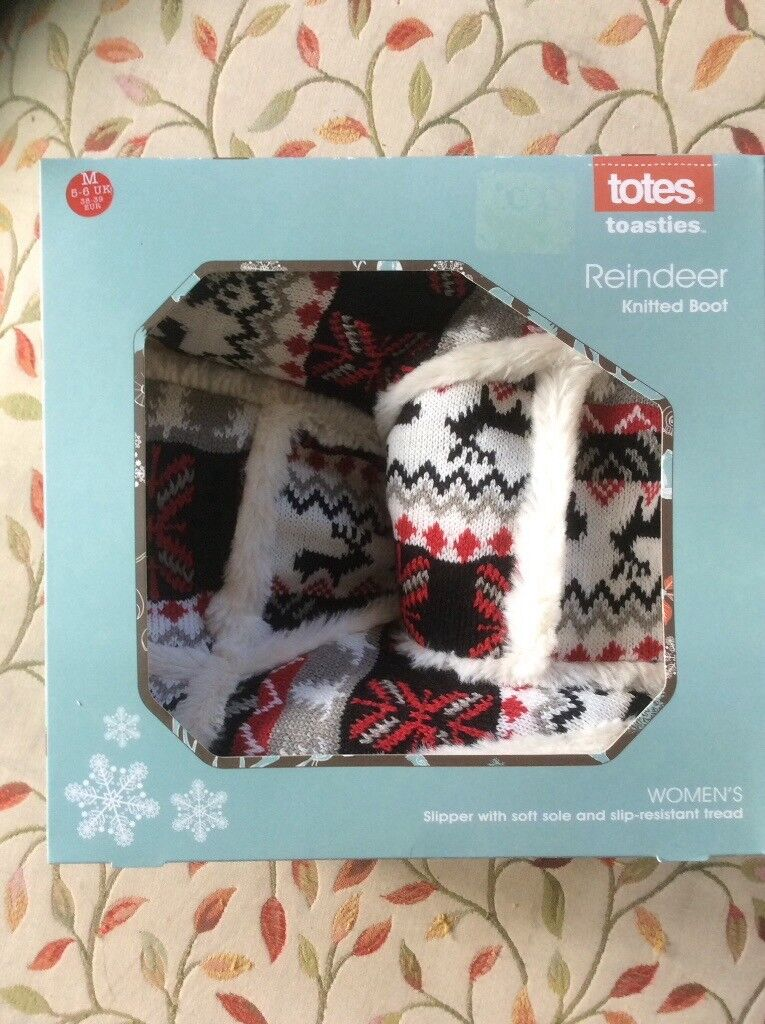 2f3be19a724   New  - totes slipper boots reindeer design size 5-6