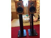Gale speaker and stands