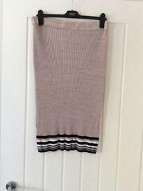 Ladies Knit Pencil Skirt BNWT