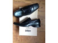 Men's formal black shoes, size 6