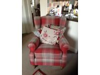 2 Armchairs Excellent condition