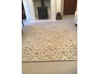 New unused cream and grey rug 150 x 180cm