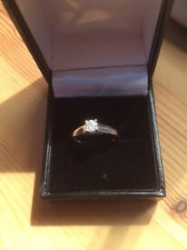Beautiful 1/2 ct (0.50) Solitaire Diamond ring set in white gold. Diamond certificate included