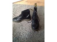 Brand new dr martains air waits in black size 6