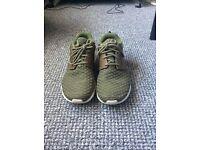 Nike Roshe Flyknit Premium Rough Green Size 7 EC