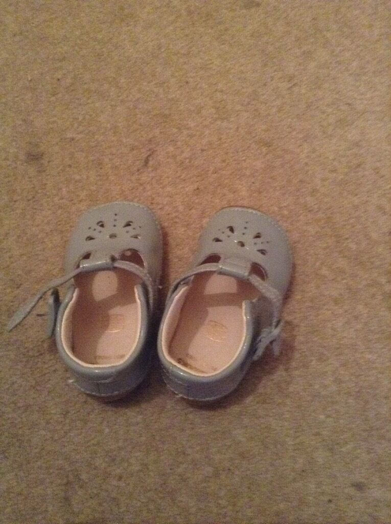 Childrens shoes size 3in Ballymena, County AntrimGumtree - Girls shoes pre walkers size 3G Never worn wrong size Clarke beautiful spring / summer colour