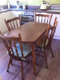 Solid Oak kitchen / dinning table