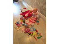 Dolls, working shower and bath and tea set