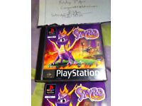 PS1 GAME SPYRO THE DRAGON RETRO AND MANUAL