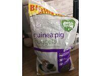 Free guinea pig food
