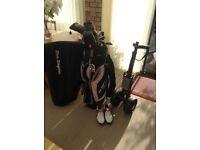 Ladies MacGregor Golf club set.