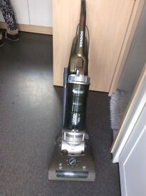 Upright bagless Hoover turbo power vacuum cleaner