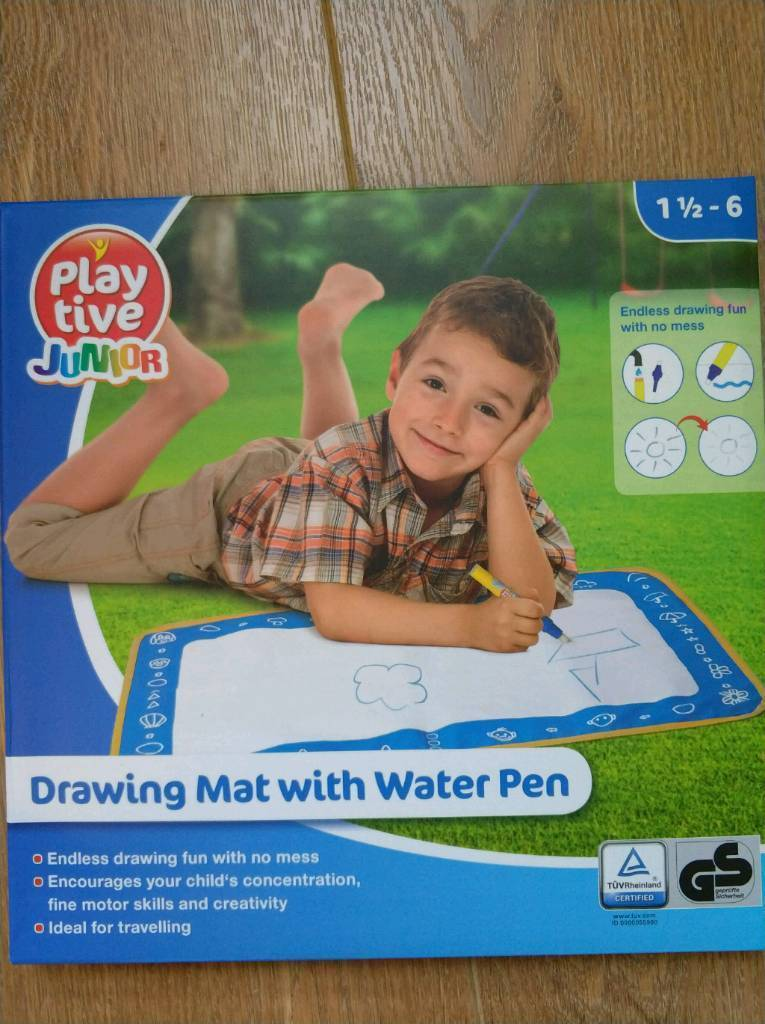 Drawing mat with water pen