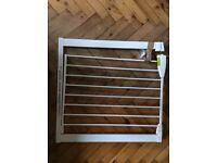 Lindam pressure fit stair gate (child / pet)