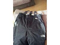 Boys North Face Hyvent Ski/Snowboarding Trousers - JUNIOR XL (15/16)