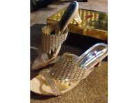 Diamante Gold Sandals, size 5