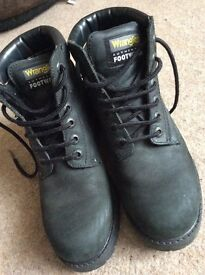 Ladies Wrangler boots