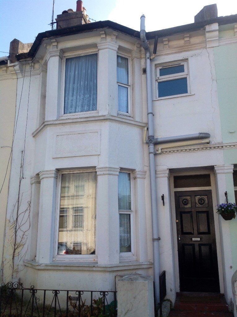 7 BEDROOM STUDENT HOUSE IN HOLLINGDEAN AREA, Roedale Road (Ref: 123)
