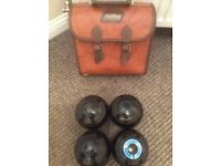 Grass bowling bowls 2sets in cases